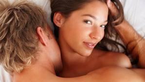 Το σεξ δίνει χαρά και ρίχνει τα κιλά...