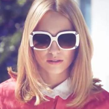 Το video της νέας collection γυαλιών του οίκου Louis Vuitton στη Μύκονο