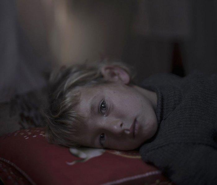 Φωτογράφος αποκαλύπτει που κοιμούνται μικροί μετανάστες
