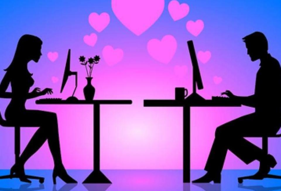 Έρωτας στα social media…