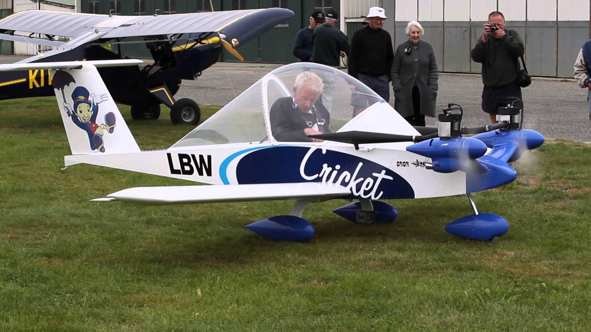 Cri-cri: το μικρότερο επανδρωμένο δικινητήριο αεροπλάνο στο κόσμο!