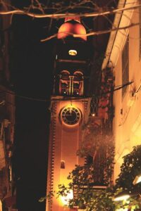 Ένα διαφορετικό πρόσωπο της Κέρκυρας:  η ζωή στο  νησί μετά τις 21:00.